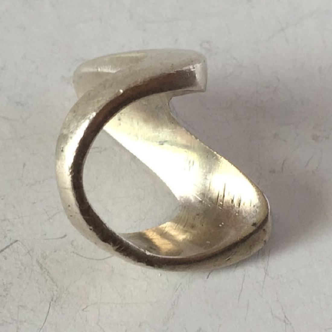 Vintage sterling silver V shape ring, size 6 - 2