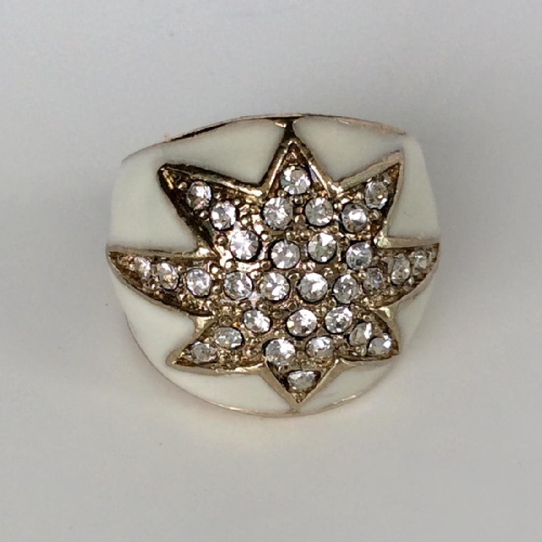 Gold  tone White enamel faceted rhinestones Star ring