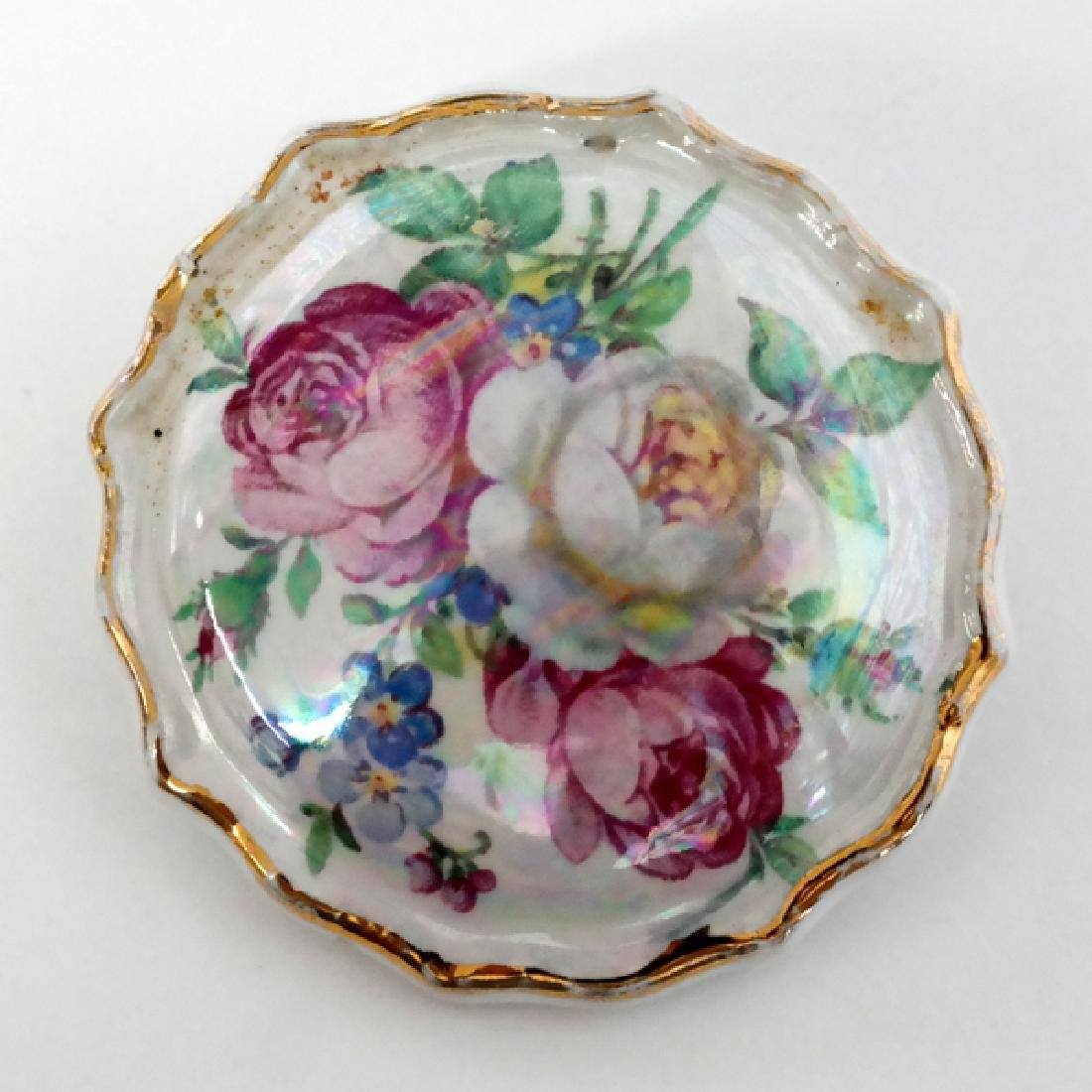 Round shape pin brooch with FLOWER BUQIET picture