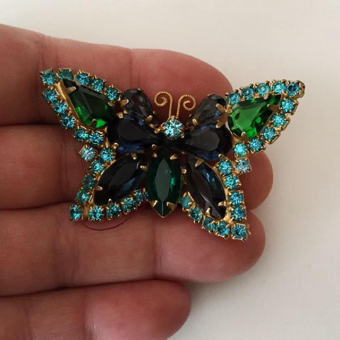 Vintage gold plated BUTTERFLY shaped brooch with prongs