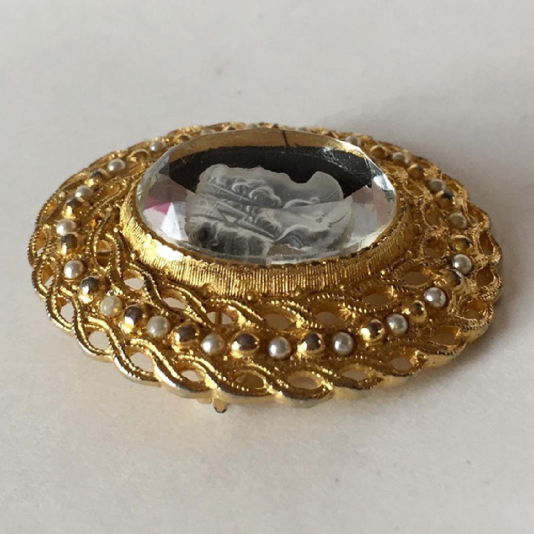 Vintage gold tone textured base embellished with white - 3