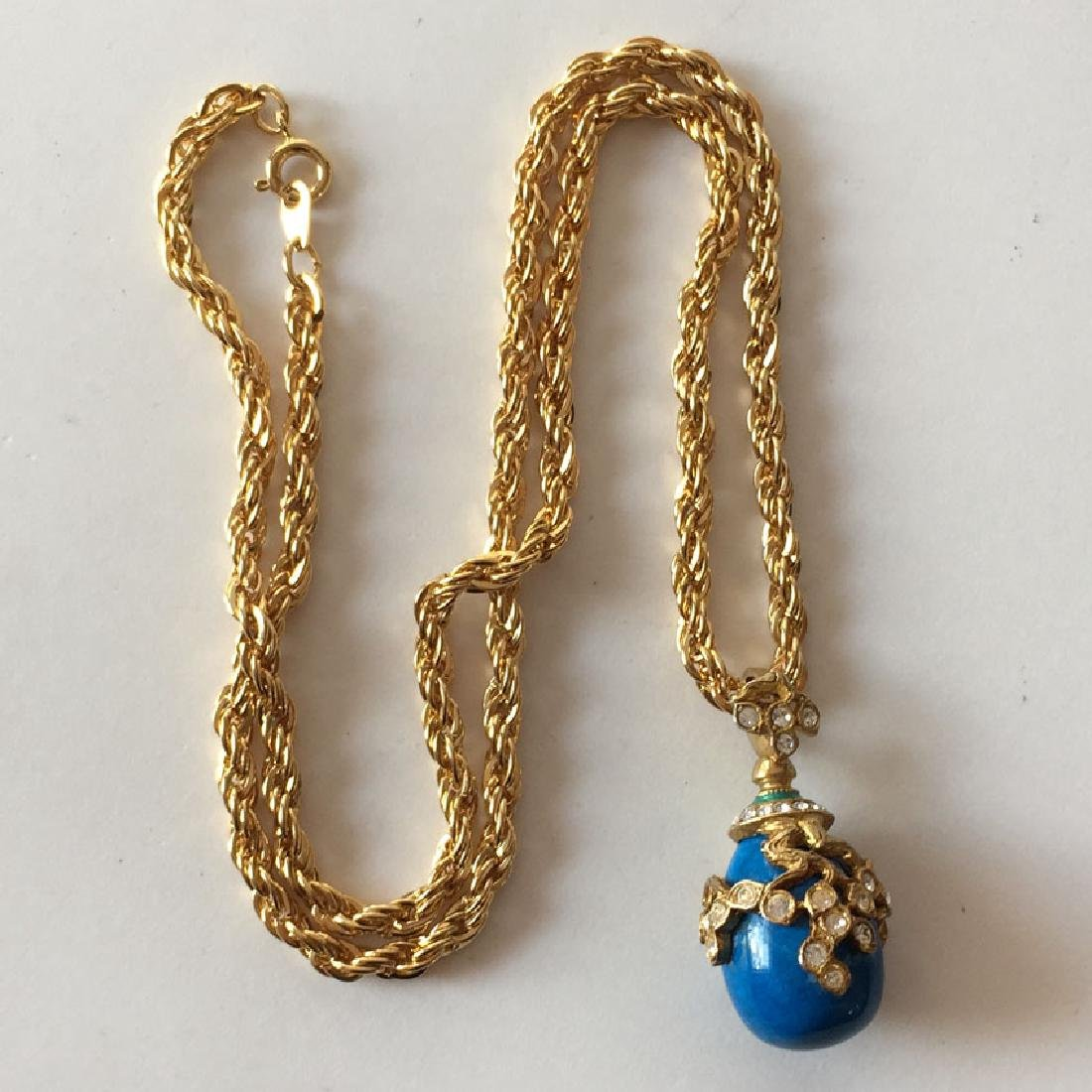Gold plated diamond cut thick rope style chain and blue