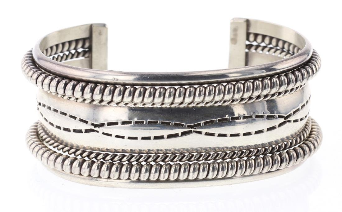 Tahe Contemporary Twist Bracelet