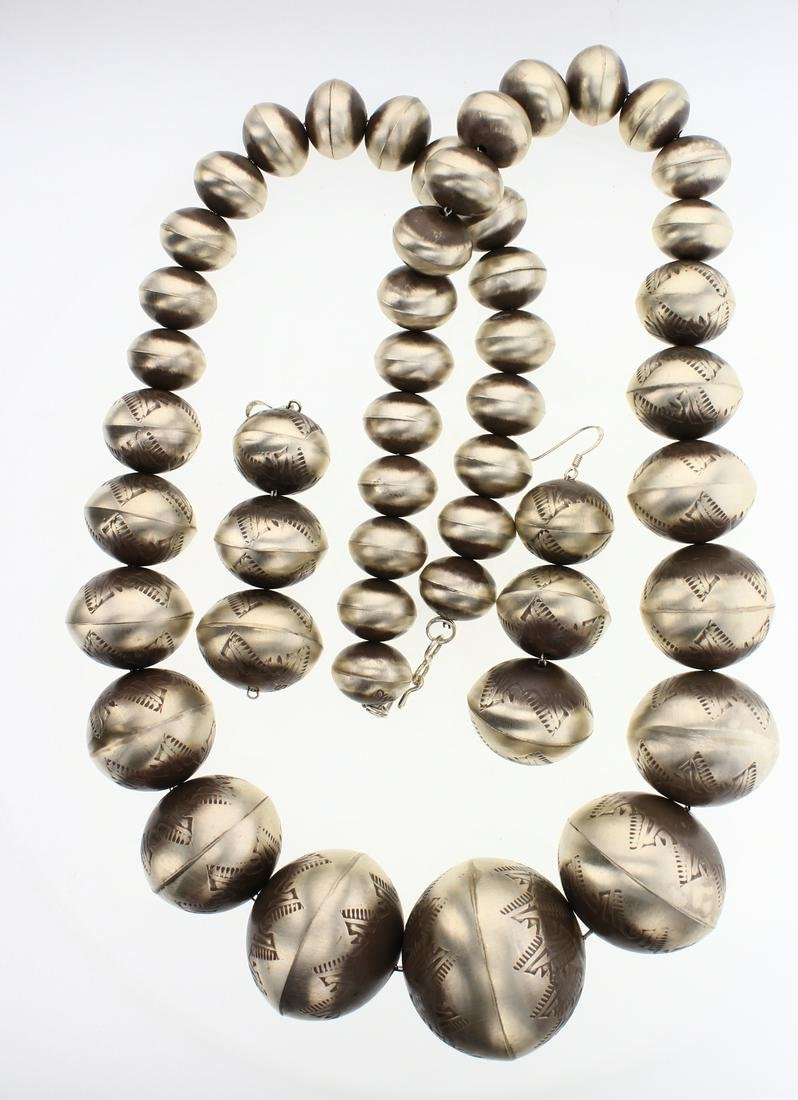 Graduated Navajo Pearls Stamp Beads Necklace & Earrings