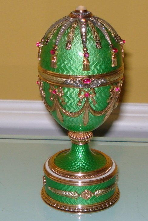 RUSSIAN FABERGE STYLE GOLD DIAMOND RUBY GUILLOCHE EGG