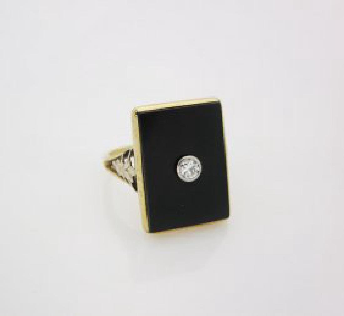 14K Yellow Gold Black Onyx Diamond Ring size 7