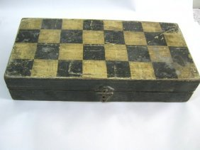 ANTIQUE WOODEN CHESS BOARD BOX