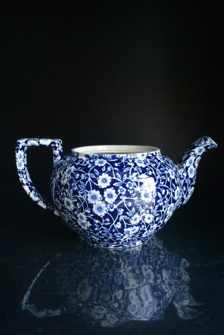 Qing Dynasty England blue and white Clarke plum tea pot