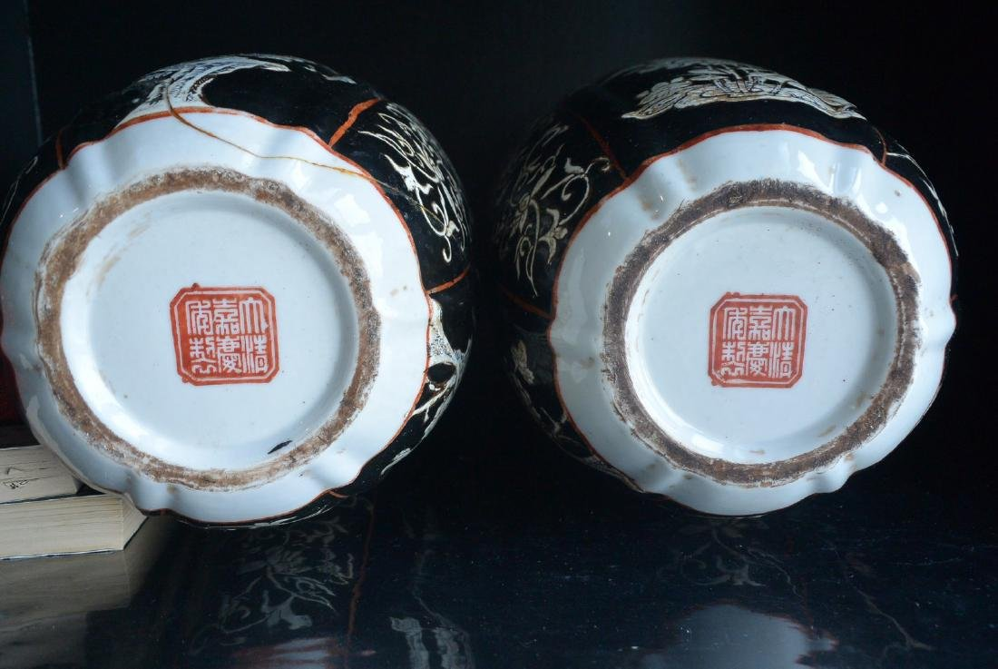 PAIR OF FINELY CHINESE PORCELAIN JARS WITH LID. H:37.2 - 10