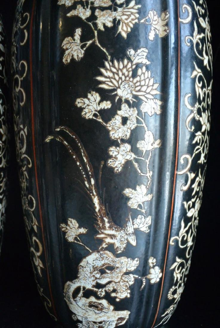 PAIR OF FINELY CHINESE PORCELAIN JARS WITH LID. H:37.2 - 4