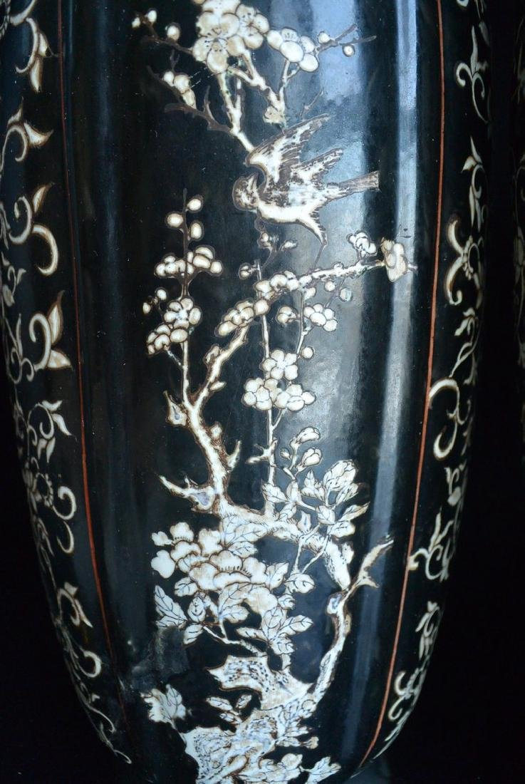 PAIR OF FINELY CHINESE PORCELAIN JARS WITH LID. H:37.2 - 5