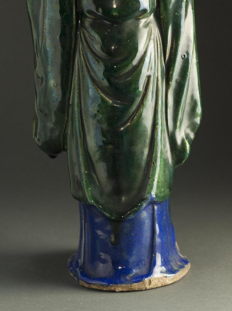 A Qing Dynasty ShiWanYao Porcelain Statue - 6