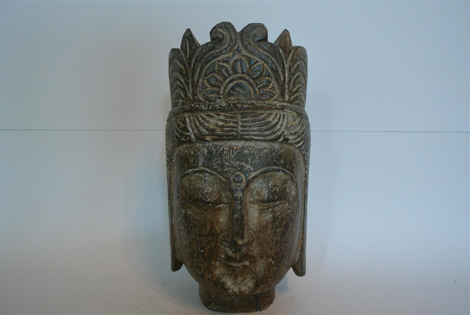 Antique Stone carving Guanyin avatar Decoration: