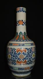 Finely Chinese Porcelain Vase Dou color  flower grain