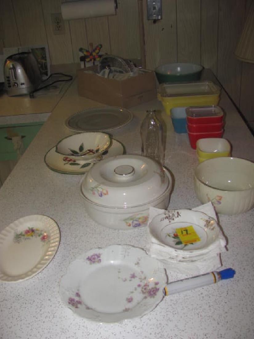Pyrex Misc Glassware Lot