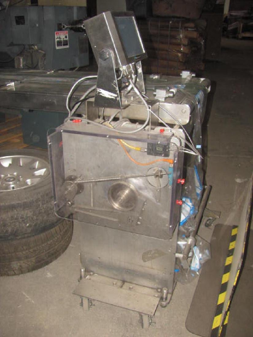 Inverted Wrapping Machine - 3
