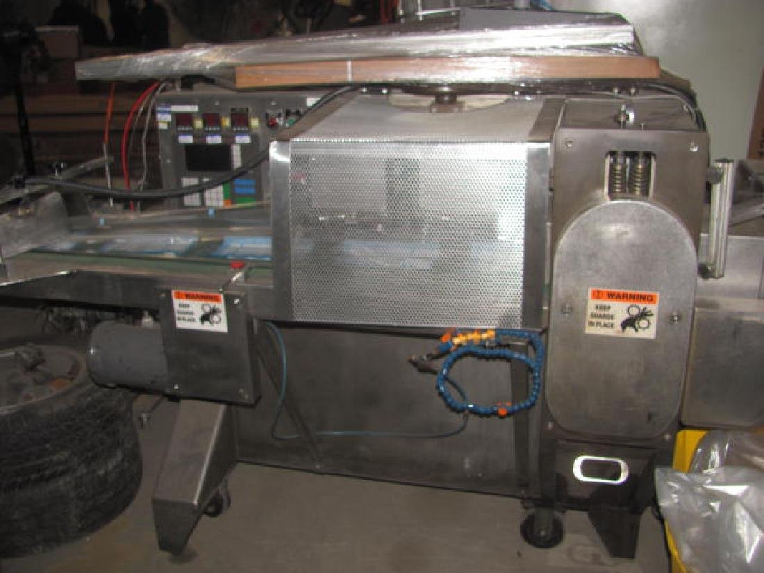 Inverted Wrapping Machine - 7
