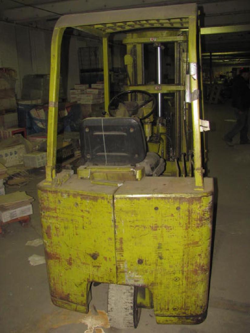 Clark Forklift w/ Drum Grip Grabber - 4