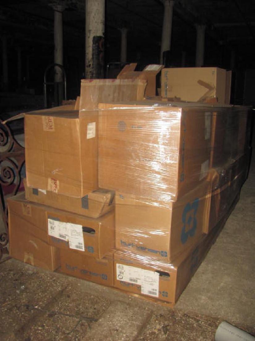 Oversized Pallet Lot of Lighting - 3