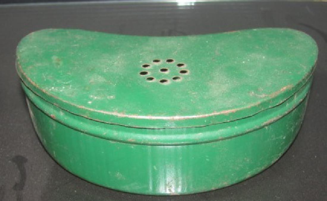 Antique / Vintage Worm Bait Can