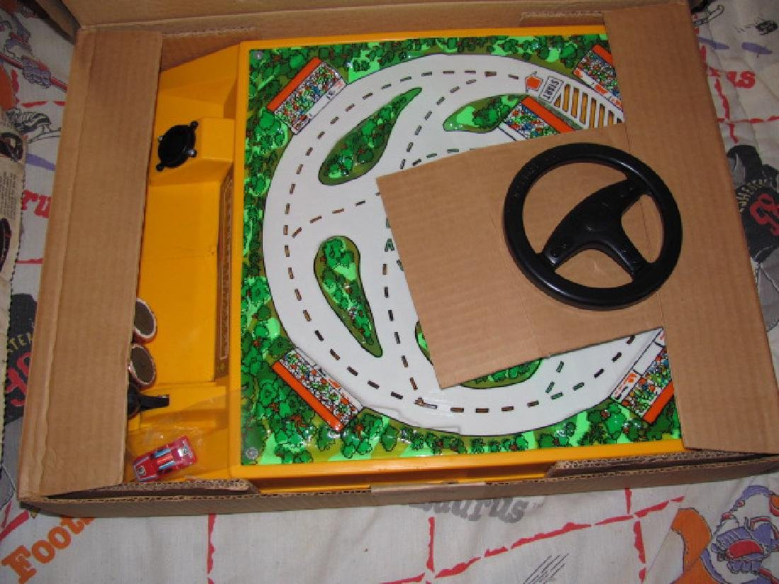 Slot Car Track & Games - 7