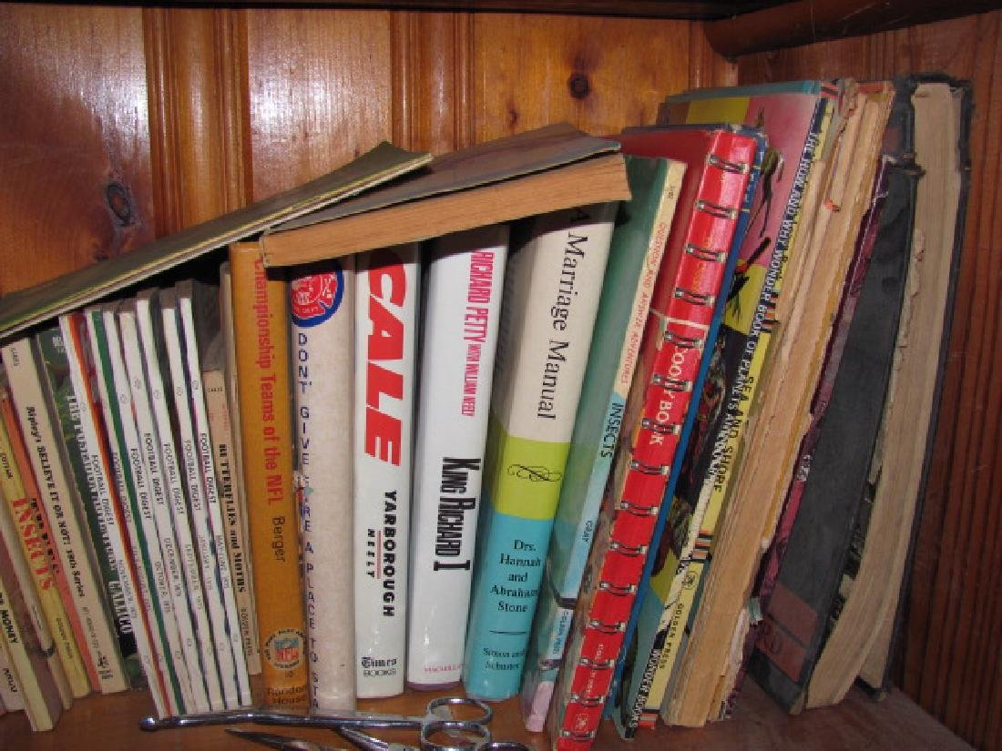 Book Shelf Lot - 5