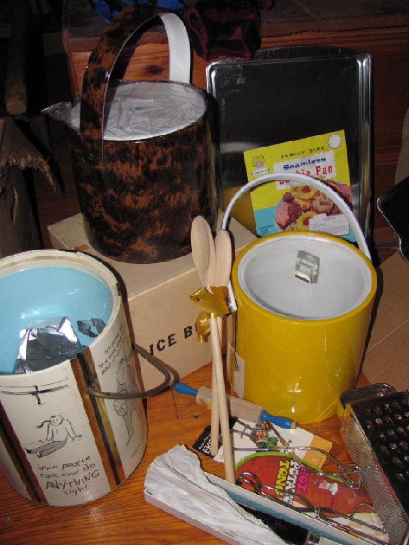 Kitchenware Lot - 2