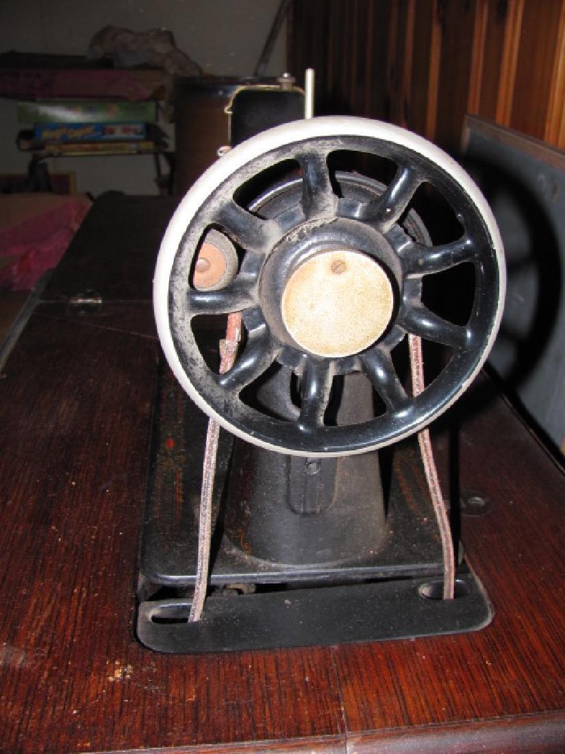 Singer Sewing Machine - 3