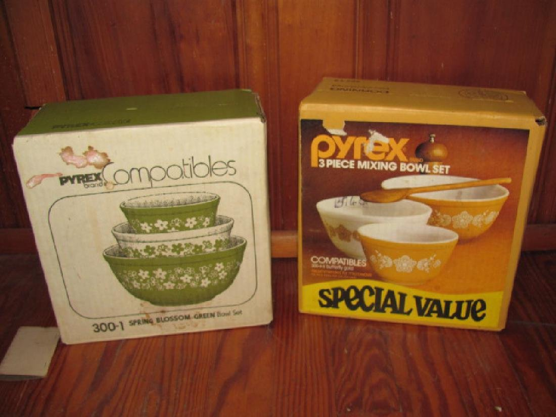 Pyrex Mixing Bowls NEW / OLD STOCK !