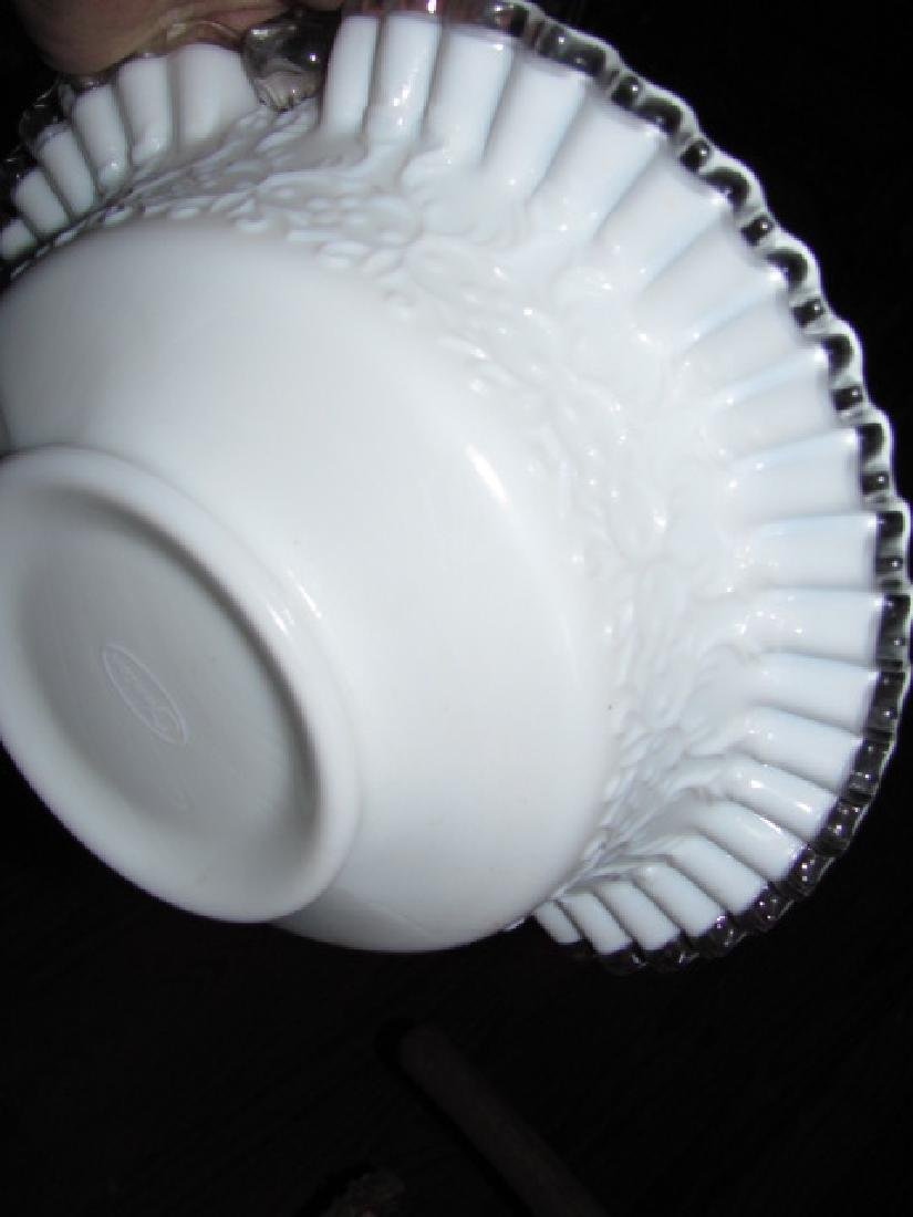 """Fenton 10"""" Basket with applied handle - 3"""