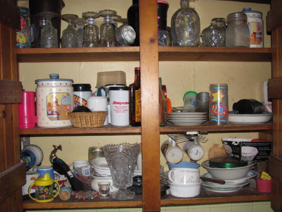 Kitchen Cabinet Lot - 6