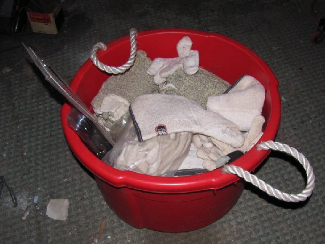 Tub Of New Gloves Kelnit Firebuff