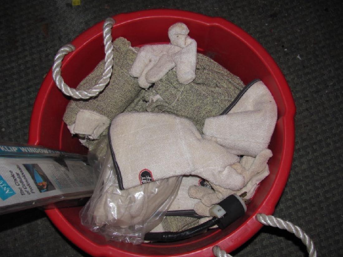 Tub Of New Gloves Kelnit Firebuff - 2