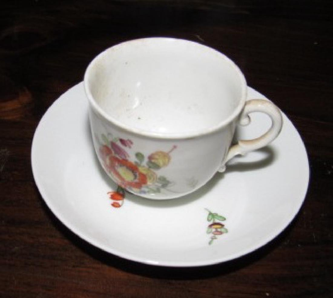 Cups Saucers & Plates