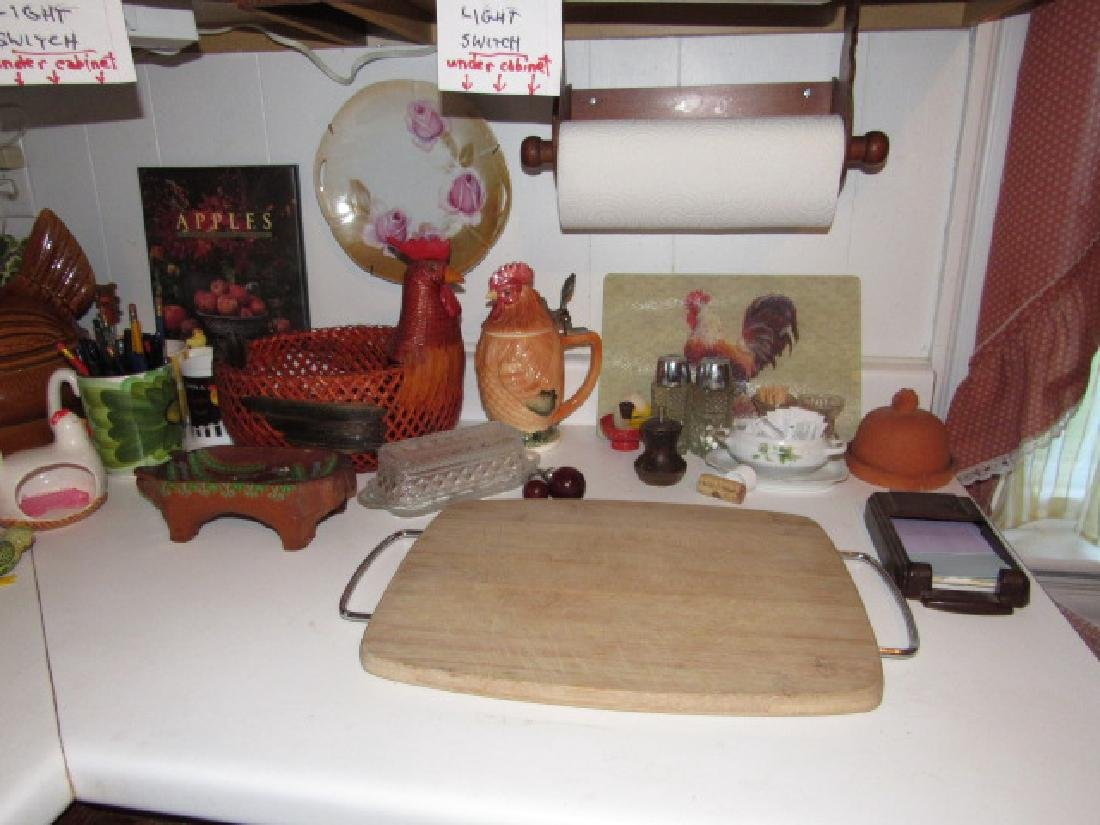 Counter Lot Wind Up Parakeet Chicken Items - 2