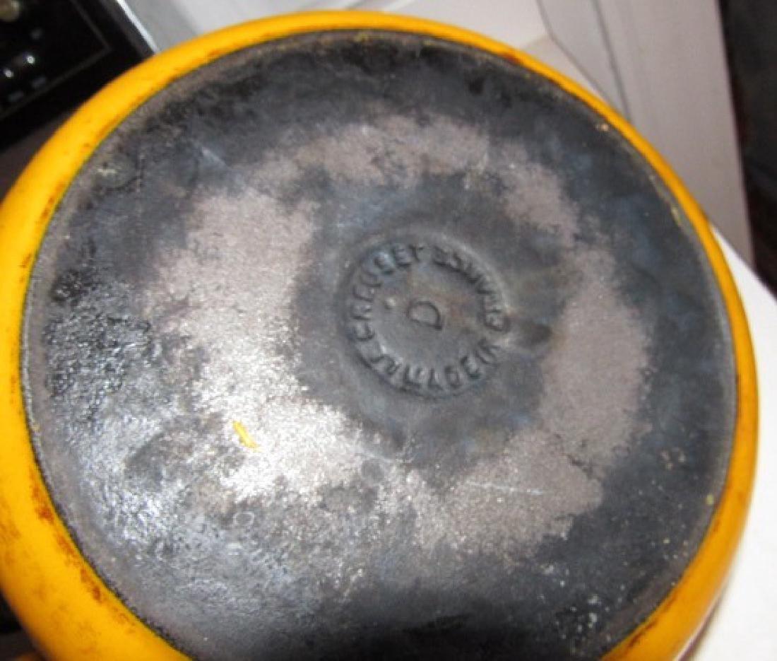 Le Creuscent Cast Iron Dutch Oven - 3