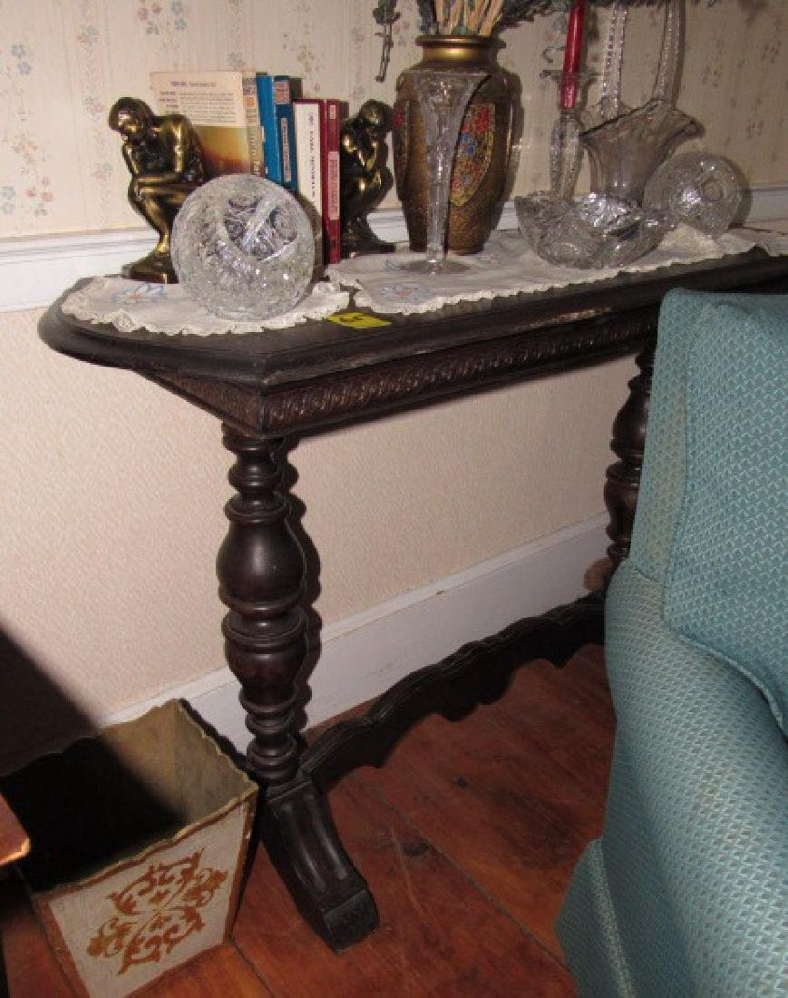 Parlor / Sofa Table