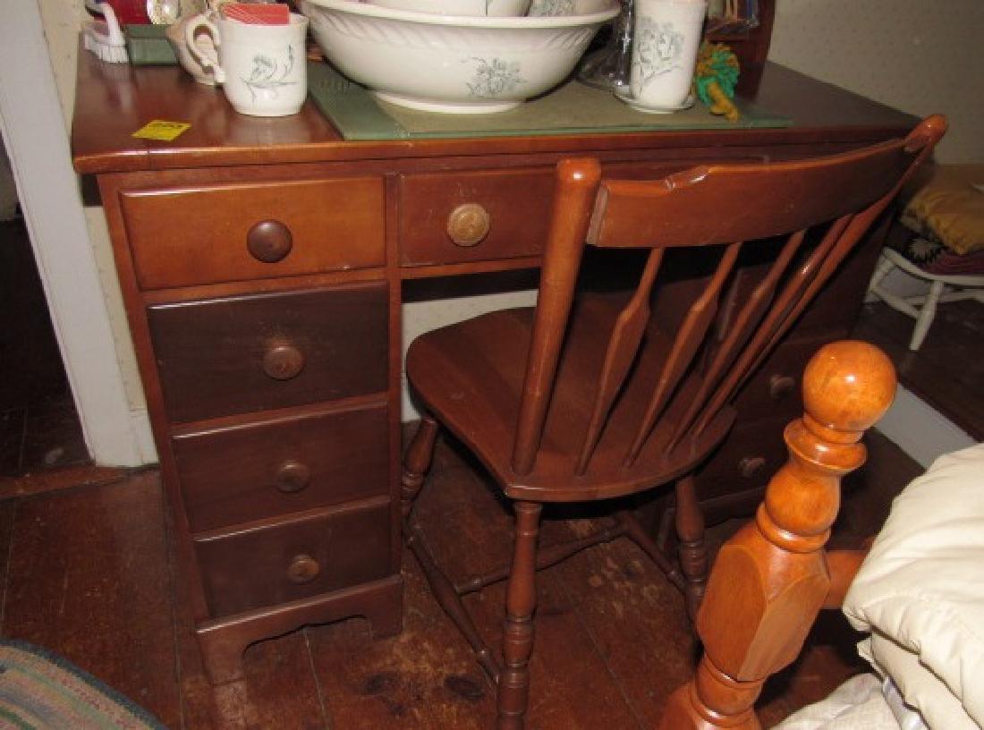 Kneehole Desk & Chair
