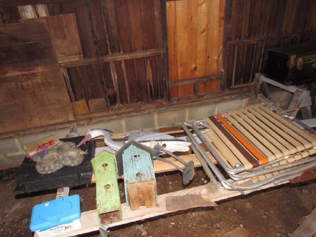 Conyents on right side of chicken coop - 2