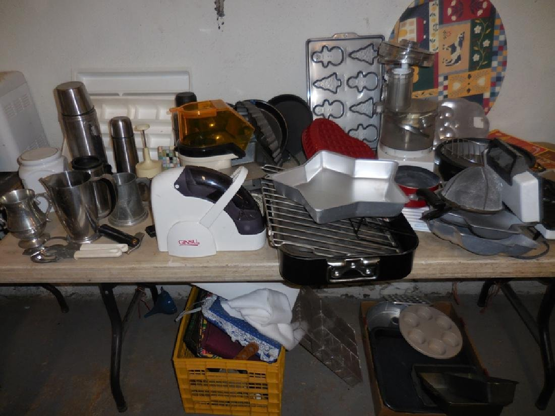 Pans, Bagel Slicer, Food Processor Lot