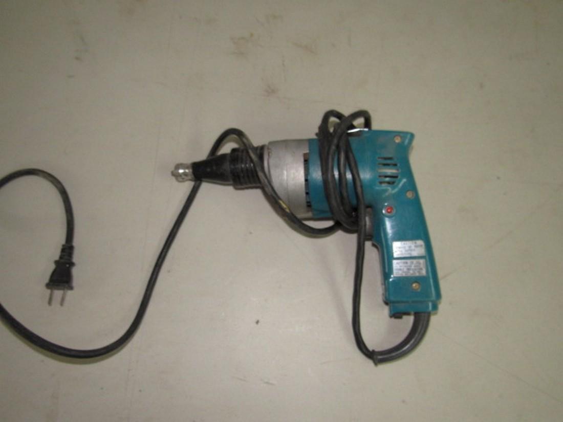 Makita Dry Wall Drill 6801DBV