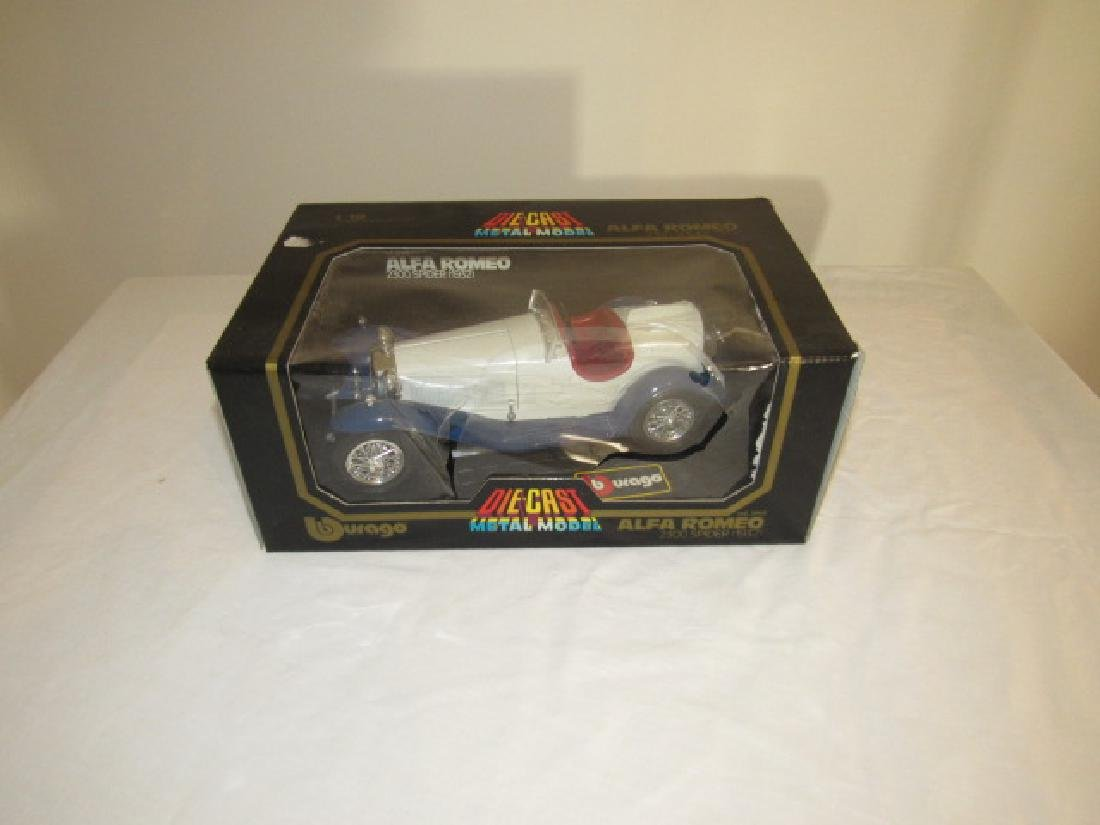 Alfa Romeo Durago Die Cast Toy Car 1/18 scale