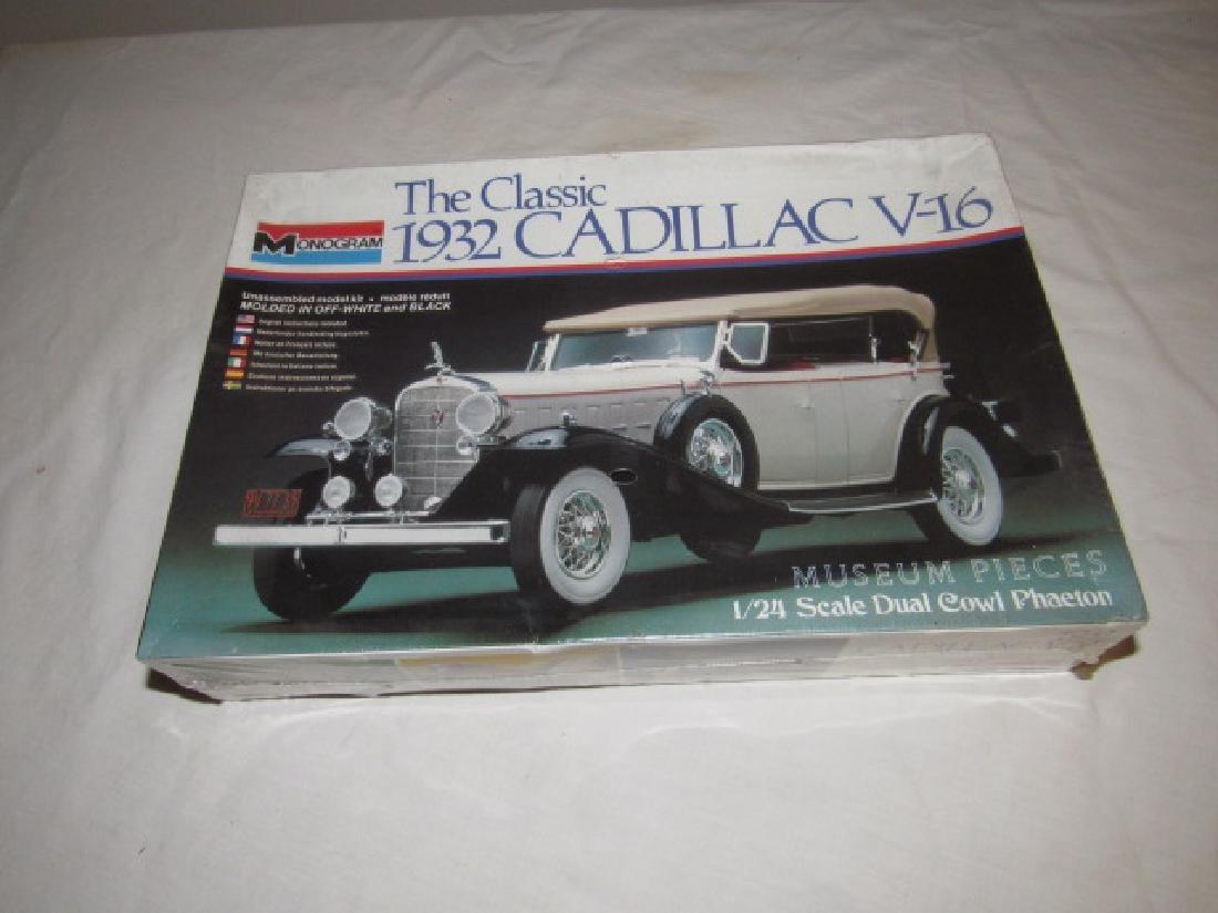 Monogram 1932 Cadillac V-16 Phaeton Model