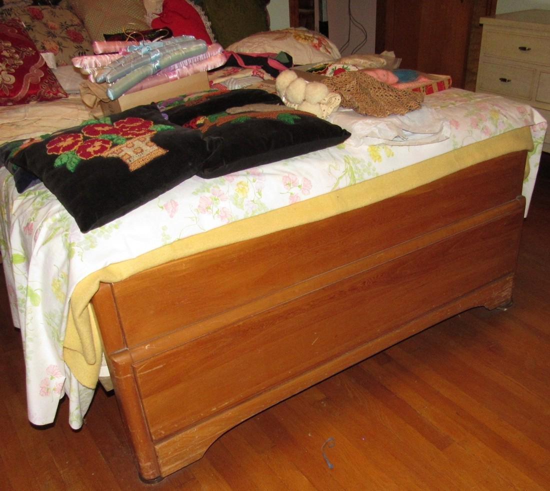1950's Bedroom Set Vanity Dresser Bed - 8
