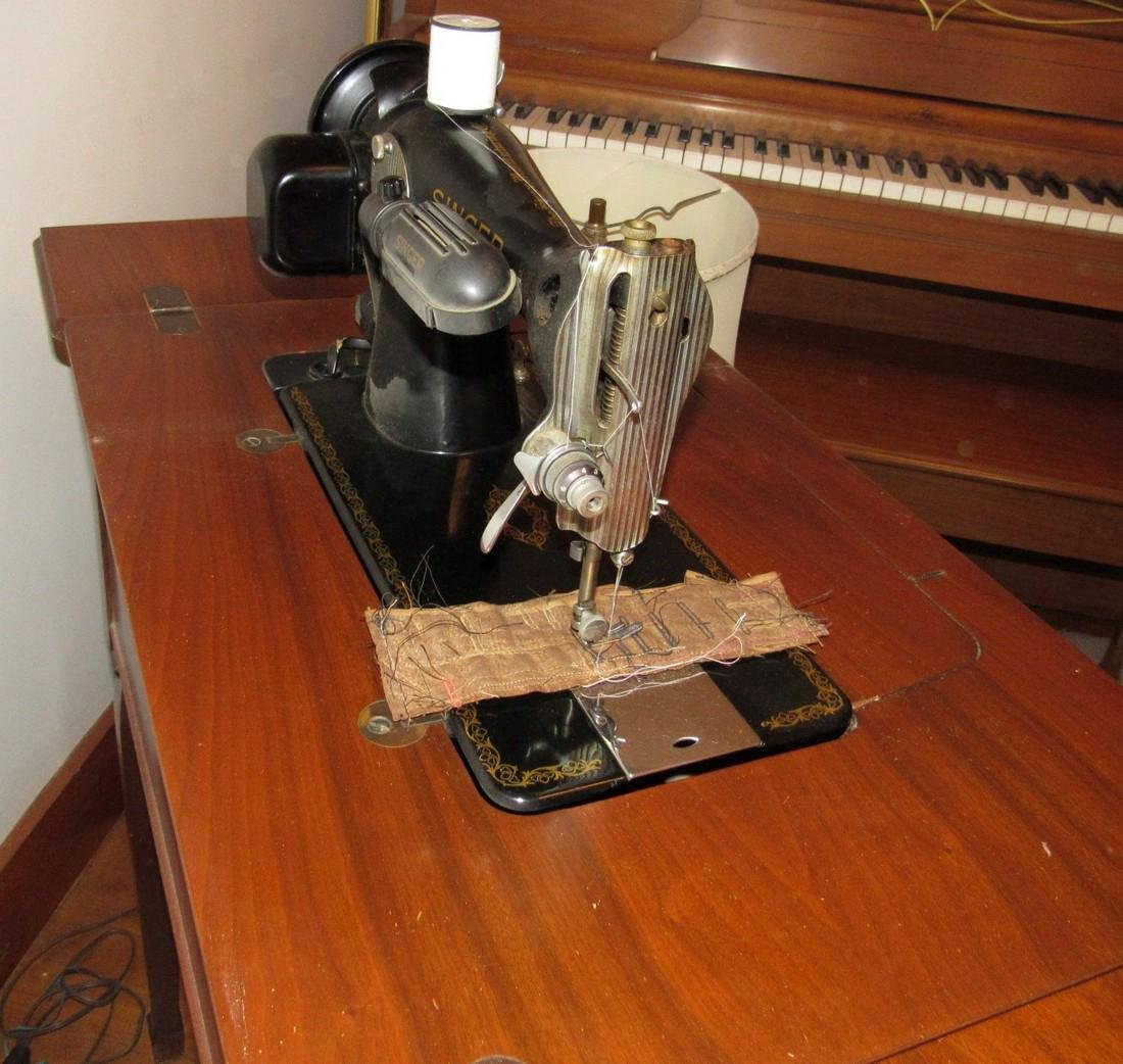 Electric Singer Sewing Machine & Bench - 4