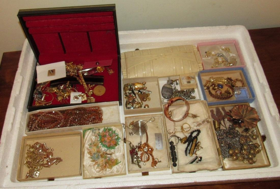 Large Lot of Jewelry Rings Cufflinks Brooches