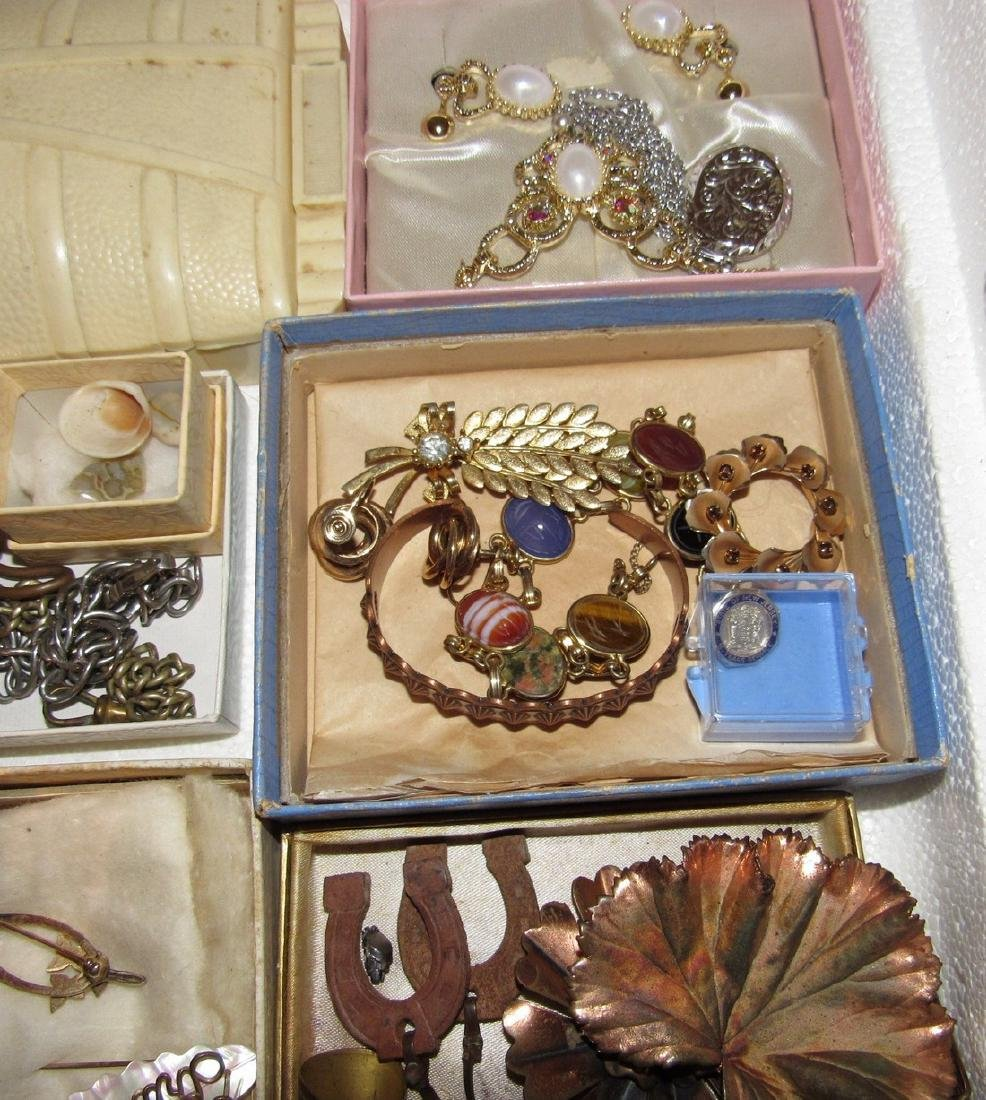 Large Lot of Jewelry Rings Cufflinks Brooches - 6