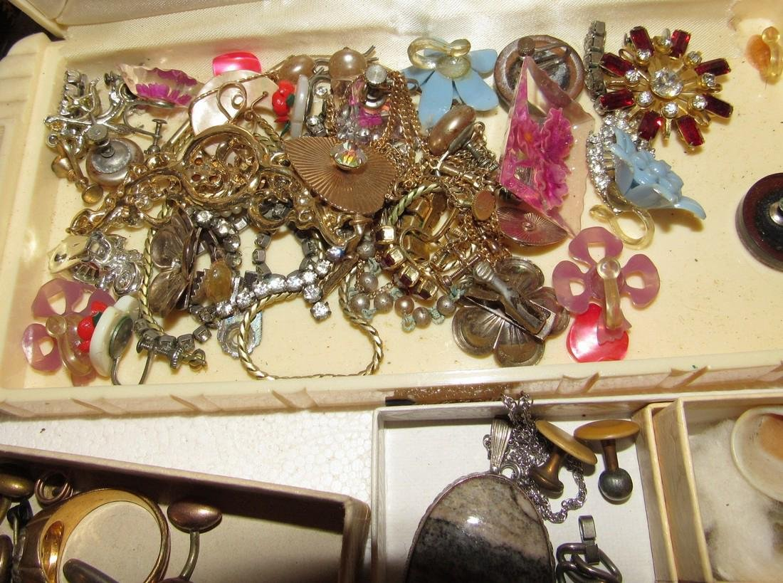 Large Lot of Jewelry Rings Cufflinks Brooches - 8