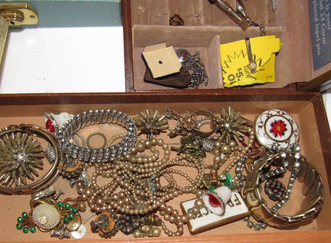 Costume Jewelry Lot Necklaces Bracelets - 4