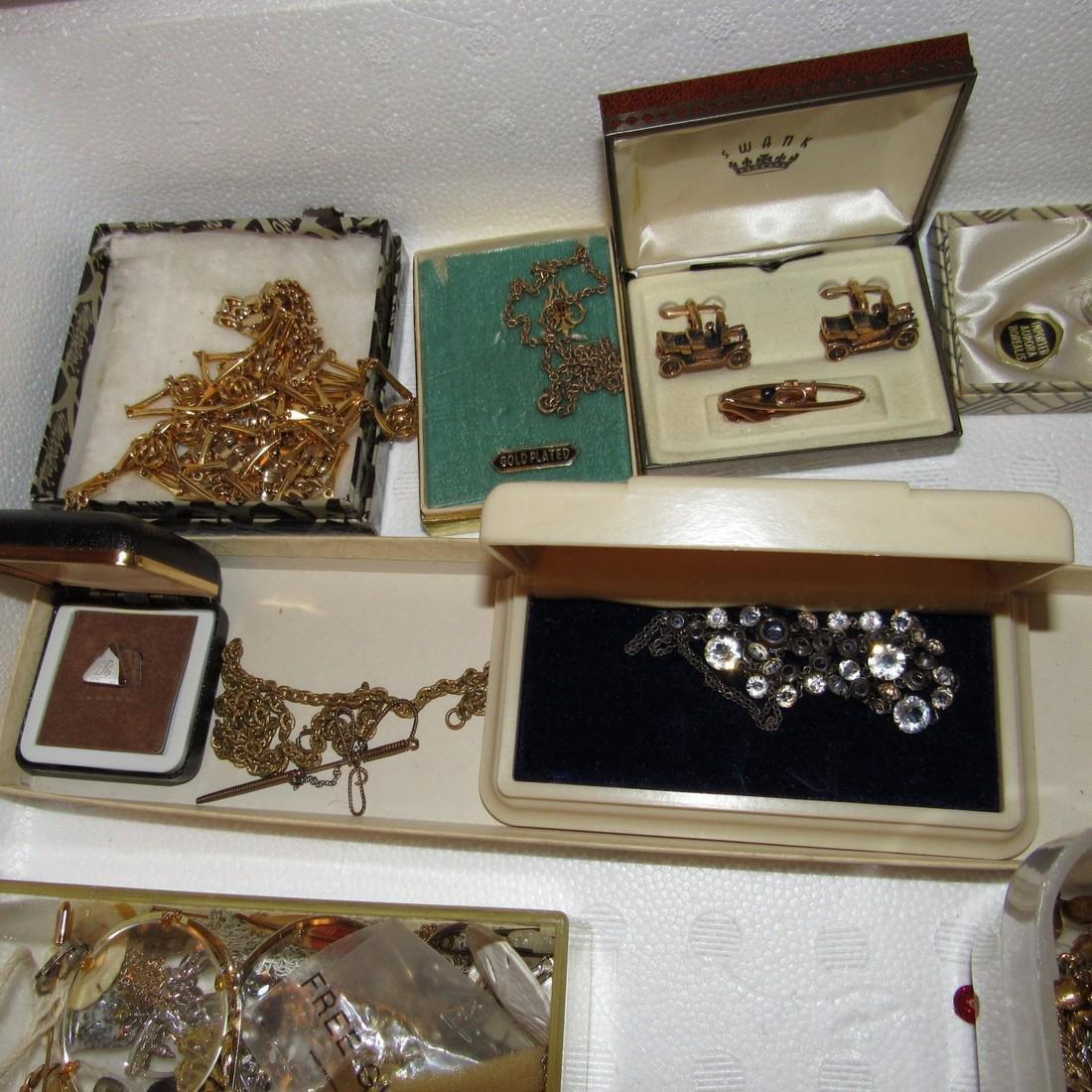 Jewelry Lot Incl Sterling Silver Earrings & Brooch - 2